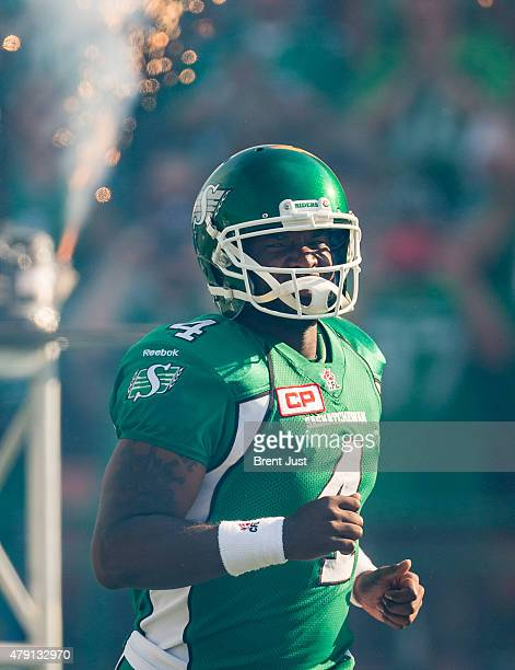 Darian Durant of the Saskatchewan Roughriders takes the field for the game between the Winnipeg Blue Bombers and Saskatchewan Roughriders in week 1...