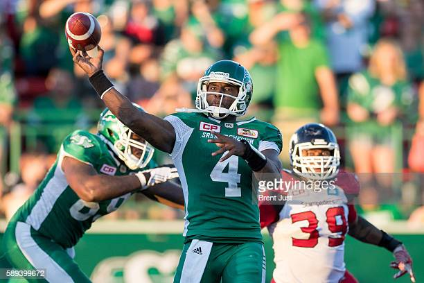Darian Durant of the Saskatchewan Roughriders throws a pass in the game between the Calgary Stampeders and Saskatchewan Roughriders at Mosaic Stadium...
