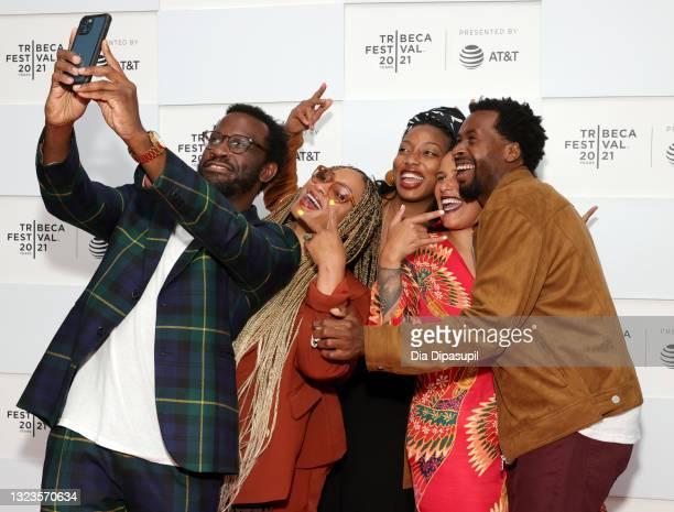 "Darien Dorsey, Taura Stinson, Director Amayah Harrison, Julia Vann and Louis Bryant III take a selfie on the red carpet at the ""19 Seventy Free: Part..."