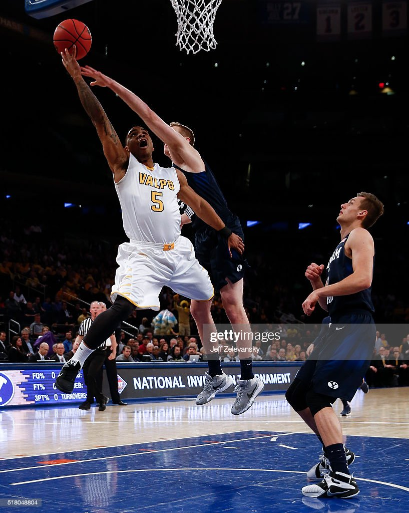 2016 NIT Championship - Semifinals : News Photo