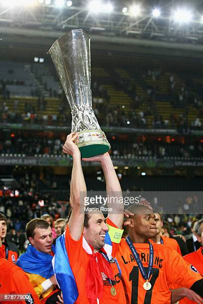Darijo Srna of Shakhtar Donetsk lifts the UEFA Cup Trophy following his team's victory after extra time at the end of the UEFA Cup Final between...