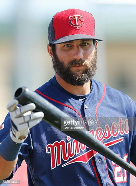Darin Mastroianni of the Minnesota Twins prepares to take batting practice prior to the spring training game against the St Louis Cardinals at Roger...