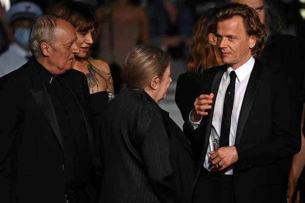"FRA: ""Bi-Sang-Seon-Eon (Emergency Declaration)"" Red Carpet - The 74th Annual Cannes Film Festival"