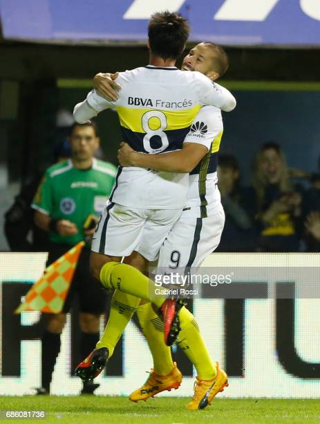 Dario Bendetto of Boca Juniors celebrates with Pablo Perez after scoring the opening goal during a match between Boca Juniors and Newell's Old Boys...