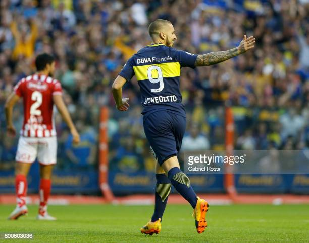 Dario Benedetto of Boca Juniors celebrates after scoring the second goal of his team during a match between Boca Juniors and Union as part of Torneo...