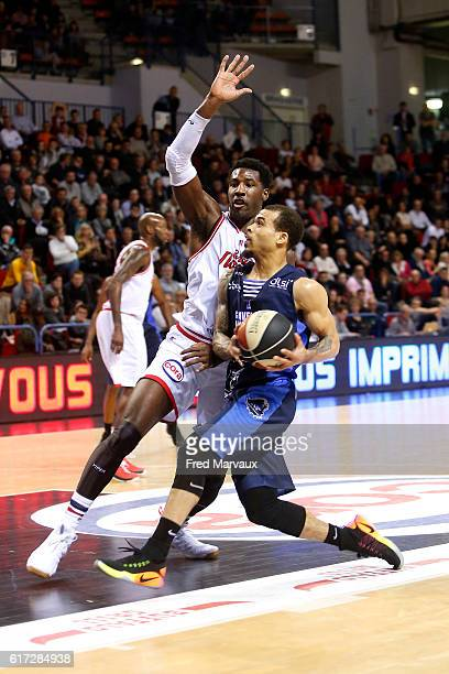 Dario Hunt of Sluc Nancy basket and Justin Cobbs of Gravelines Dunkerque during the Pro A Match between Nancy and Gravelines Dunkerque on October 22...