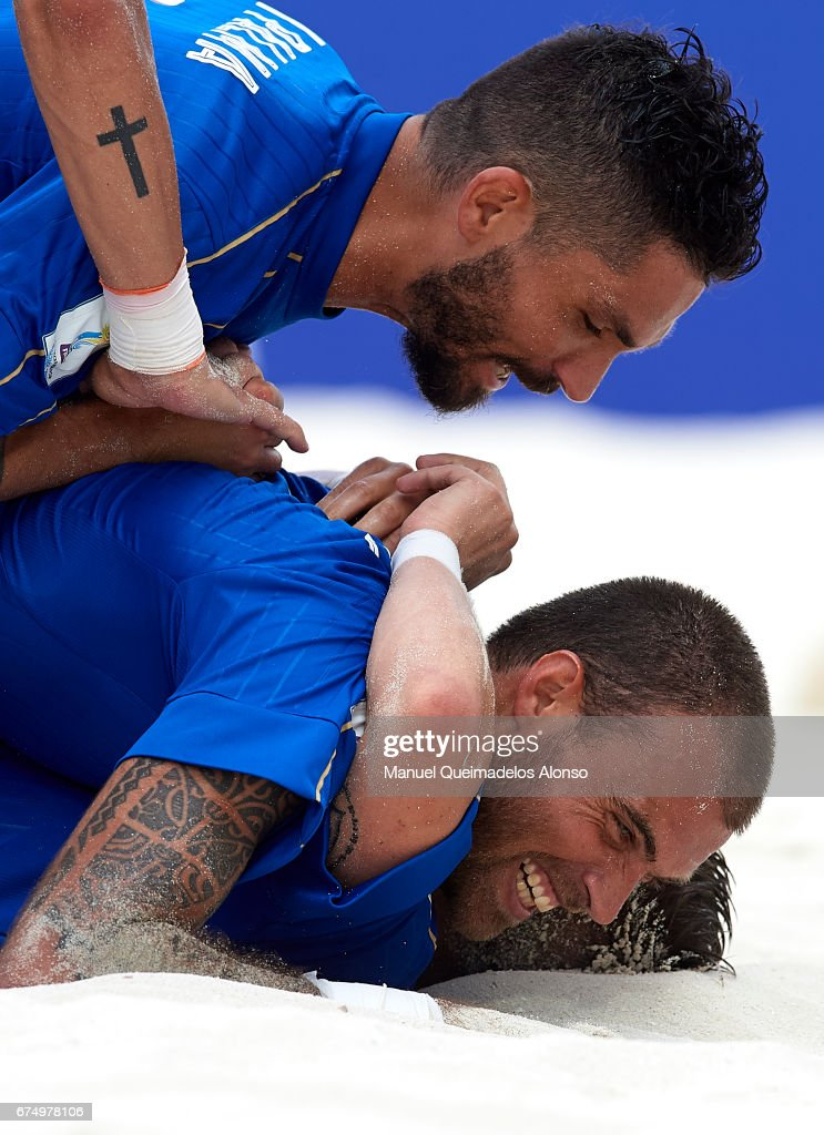 Italy v Iran - FIFA Beach Soccer World Cup Bahamas 201 : News Photo