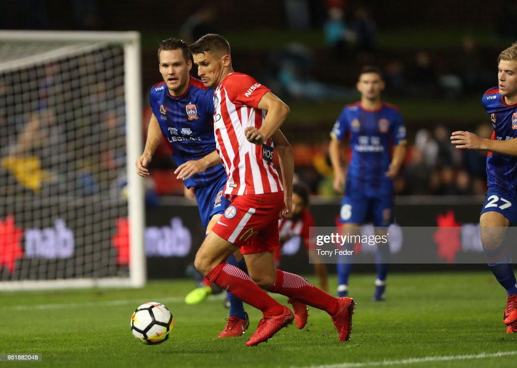A-League Semi Final - Newcastle v Melbourne City : News Photo