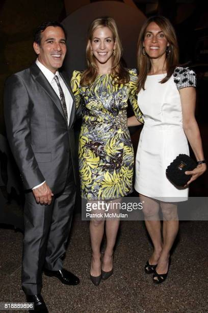 Darius Bikoff Jill Bikoff and Caryn Zucker attend 92nd Street Y Annual Spring Gala starring Barry Manilow at 92nd Street Y on May 17 2010 in New York