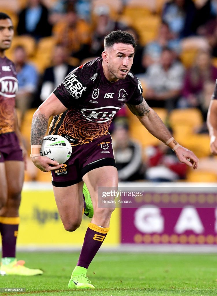 NRL Rd 12 - Broncos v Sharks : News Photo