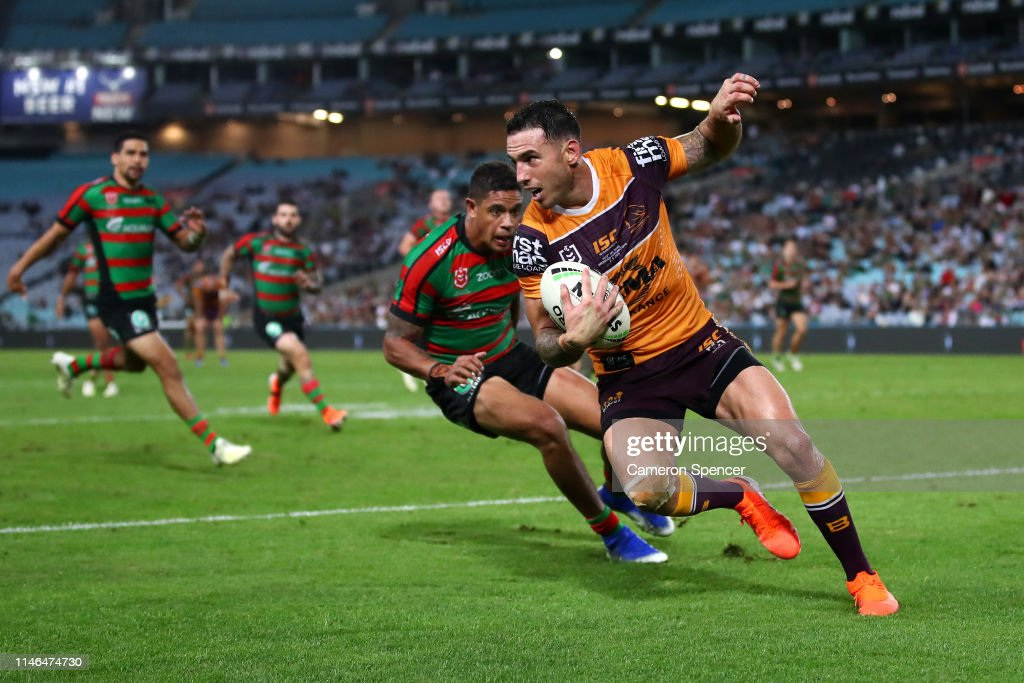 NRL Rd  8 - Rabbitohs v Broncos : News Photo