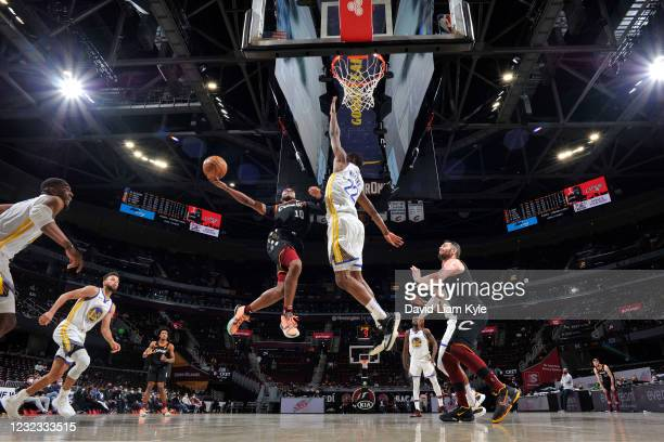 Darius Garland of the Cleveland Cavaliers shoots the ball during the game against the Golden State Warriors on April 15, 2021 at Rocket Mortgage...