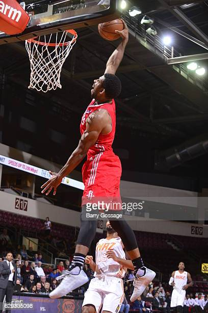 Darius Morris of the Rio Grande Valley Vipers dunks against the Northern Arizona Suns on December 9 at Prescott Valley Event Center in Prescott...
