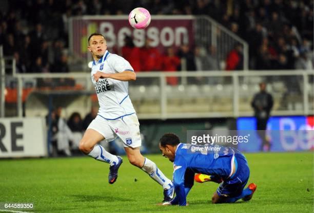 Dariusz DUDKA / Saber KHALIFA Auxerre / Evian Thonon 28eme journee de Ligue 1 Photo Dave Winter / Icon Sport
