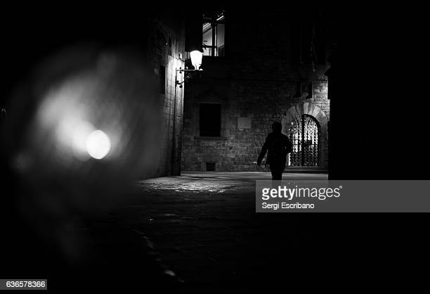 dark city - film noir style stock pictures, royalty-free photos & images