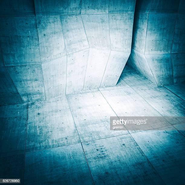 Dunkle konkrete Umgebung mit top-Beleuchtung
