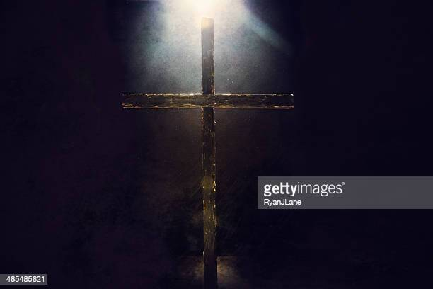 dark cross with light overhead - easter cross stock pictures, royalty-free photos & images