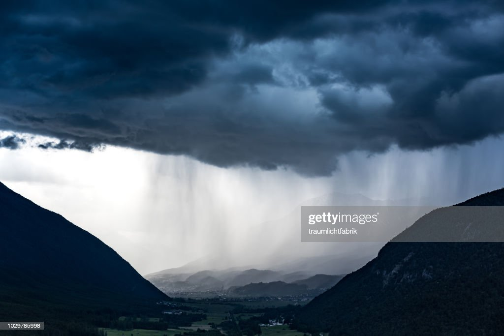 dark downpour : Stock Photo