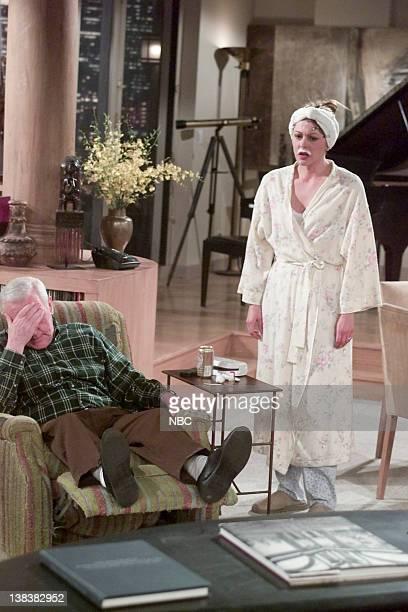 FRASIER Dark Side of the Moon Episode 22 Pictured John Mahoney as Martin Crane Jane Leeves as Daphne Moon