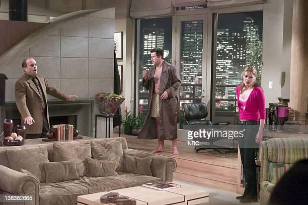 FRASIER 'Dark Side of the Moon' Episode 22 Pictured Kelsey Grammer as Dr Frasier Crane Anthony LaPaglia as Simon Moon Jane Leeves as Daphne Moon