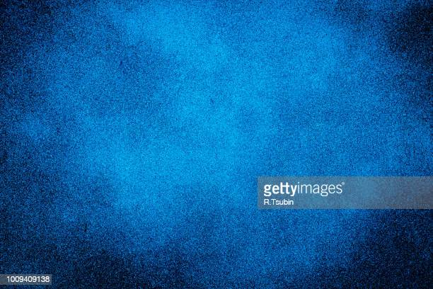 dark texture background with bright center spotlight - spotted stock pictures, royalty-free photos & images