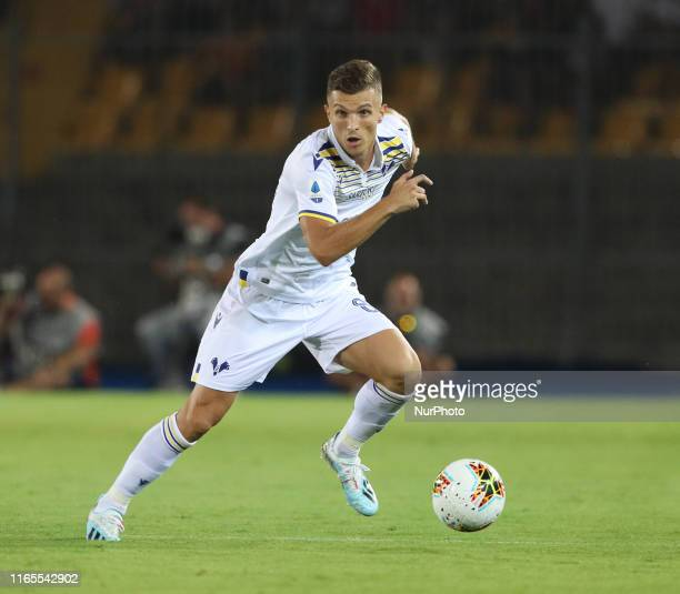 Darko Lazovic of Hellas Verona controls tha ball during the Serie A match between US Lecce and Hellas Verona at Stadio Via del Mare on September 1,...