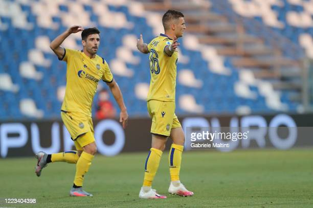 Darko Lazovic of Hellas Verona FC celebrates after scoring a goal during the Serie A match between US Sassuolo and Hellas Verona at Mapei Stadium -...