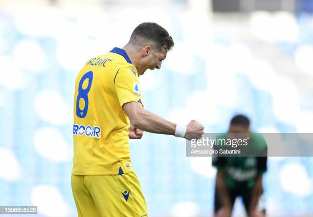 Darko Lazovic of Hellas Verona F.C. Celebrates after scoring their team's first goal during the Serie A match between US Sassuolo and Hellas Verona...