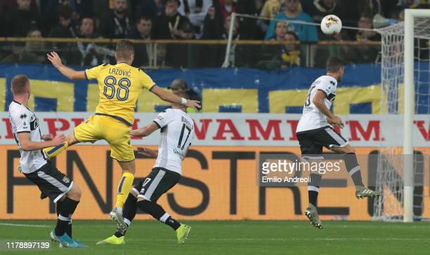 Darko Lazovic of Hellas Verona scores the opening goal during the Serie A match between Parma Calcio and Hellas Verona at Stadio Ennio Tardini on...