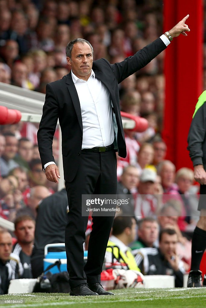Darko Milanic, new manager of Leeds United, gives orders from the sidelines during the Sky Bet Championship match between Brentford and Leeds United at Griffin Park on September 27, 2014 in Brentford, England.