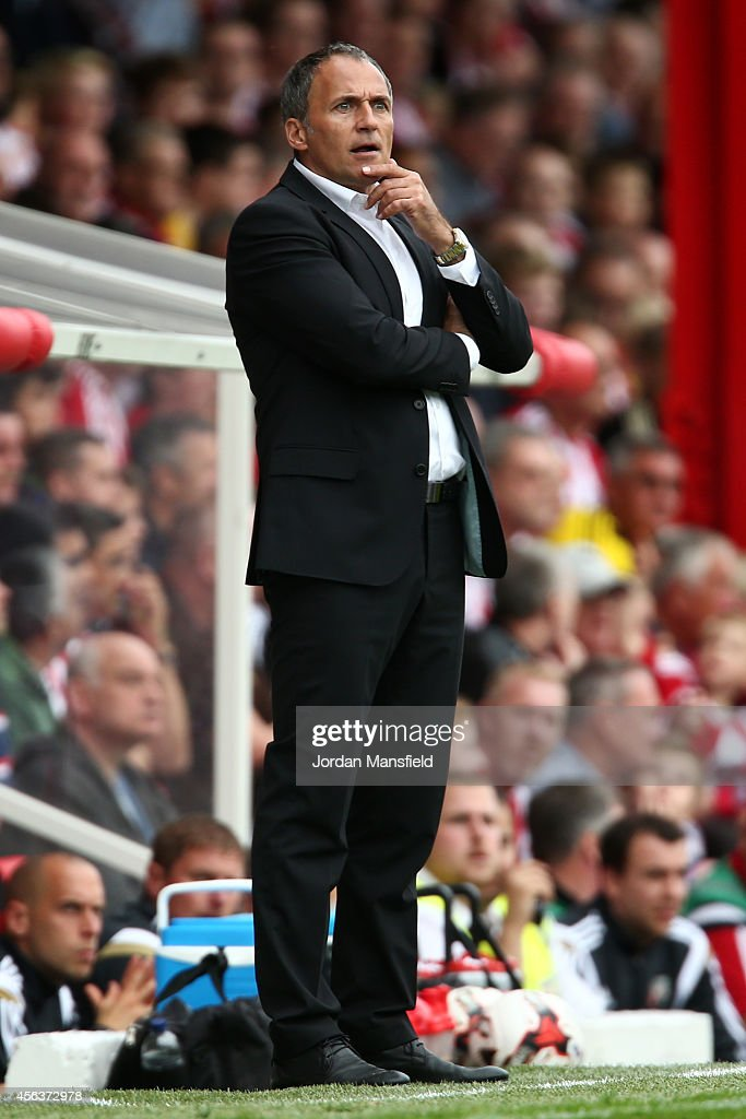 Darko Milanic the new manager of Leeds United looks on from the sidelines during the Sky Bet Championship match between Brentford and Leeds United at Griffin Park on September 27, 2014 in Brentford, England.