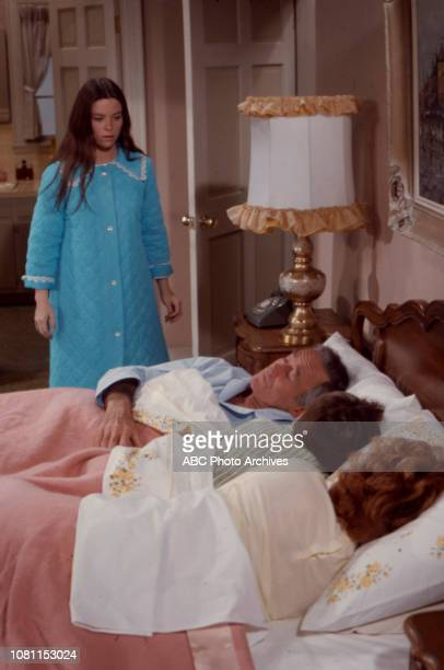Darleen Carr Henry Fonda MichaelJames Wixted Janet Blair appearing in the Walt Disney Television via Getty Images series 'The Smith Family' episode...
