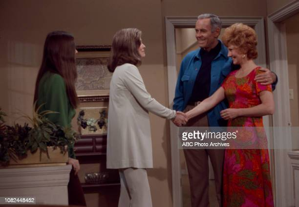 Darleen Carr Joanne Dru Henry Fonda Janet Blair appearing in the Walt Disney Television via Getty Images series 'The Smith Family'