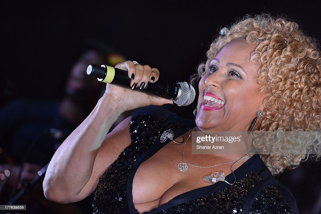 Darlene Love perform at the 4th Annual Apollo In The Hamptons Benefit on August 24, 2013 in East Hampton, New York.