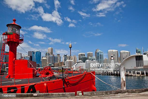 darling harbour and historic lightship carpentaria. - darling harbour stock pictures, royalty-free photos & images
