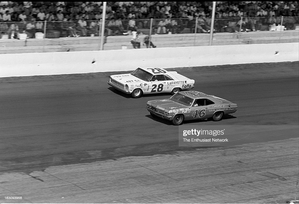 https://media.gettyimages.com/photos/darlington-southern-500-stock-car-race-veteran-fred-lorenzen-with-picture-id163093956