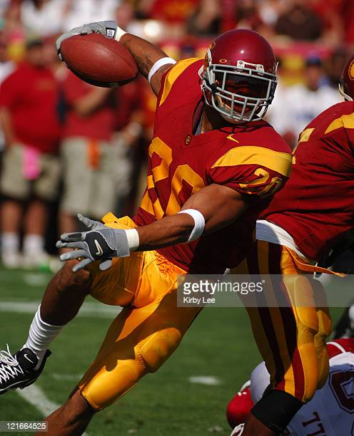 Darnell Bing of USC heads up field on a kickoff return during 5513 victory over Washington State in Pacific10 Conference football game at the Los...
