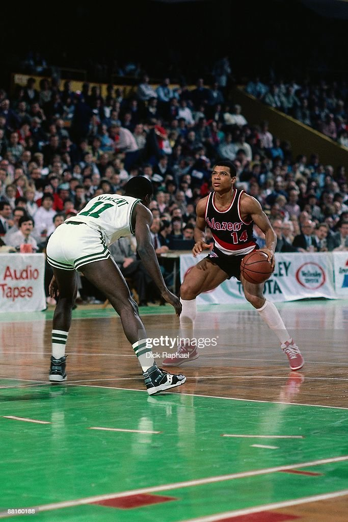 Darnell Valentine Of The Portland Trail Blazers Looks To Make A Move  Against Sam Vincent Of