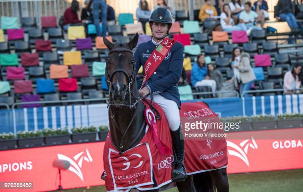 Darragh Kenny of winning team Paris Panthers and horse Balou du Reventon at the end of 'CSI 5' GCL of Cascais Estoril Round 2 155/160m international...