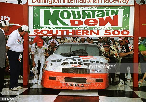 Darrell Waltrip won his first and only Southern 500 at Darlington in 1992 aboard his own Chevrolet