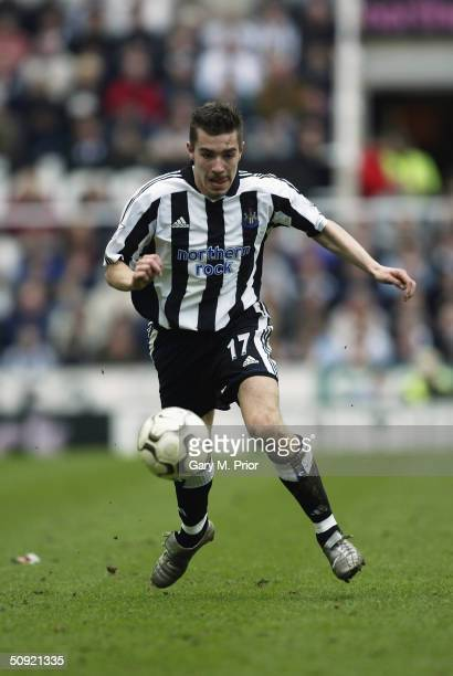 Darren Ambrose of Newcastle United running with the ball during the FA Barclaycard Premiership match between Newcastle United and Everton on April 3...
