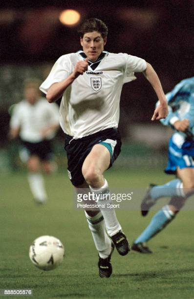 Darren Anderton of England in action during an International Friendly between England and Uruguay at Wembley Stadium on March 29 1995 in London...