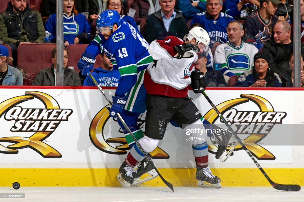 Colorado Avalanche v Vancouver Canucks : News Photo