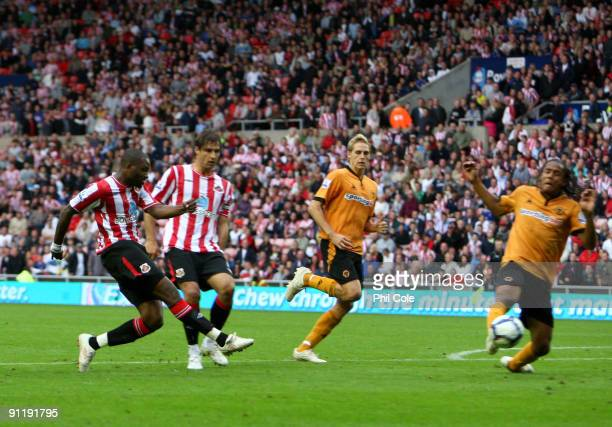 Darren Bent of Sunderland scores against Wolverhampton Wanderers during extra time during the the Barclays Premier League match between Sunderland...