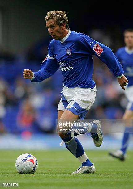 Darren Currie of Ipswich in action during the CocaCola Championship match between Ipswich Town and Crewe Alexandra at Portman Road on October 1 2005...
