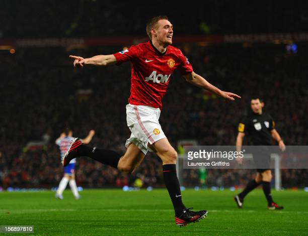 Darren Fletcher of Manchester United celebrates scoring his team's second goal to make the score 21 during the Barclays Premier League match between...