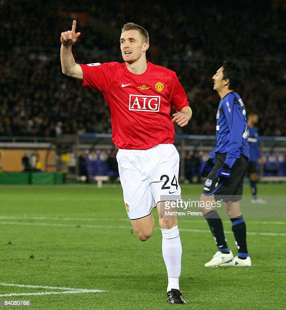 Darren Fletcher of Manchester United celebrates scoring their fourth goal during the FIFA World Club Cup SemiFinal match between Gamba Osaka and...