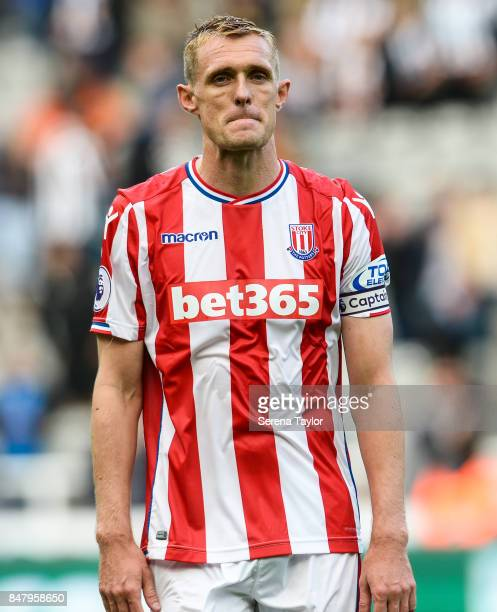 Darren Fletcher of Stoke City walks off the pitch after Newcastle win the Premier League match between Newcastle United and Stoke City at StJames'...