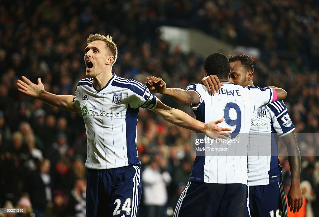Darren Fletcher of West Brom celebrates the goal scored by Brown Ideye during the Barclays Premier League match between West Bromwich Albion and Swansea City at The Hawthorns on February 11, 2015 in West Bromwich, England.