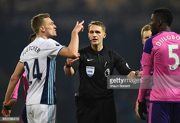 Darren Fletcher of West Bromwich Albion argues with Papy Djilobodji of Sunderland during the Premier League match between West Bromwich Albion and...